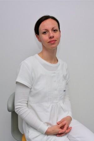 Dr. Harmat Anna